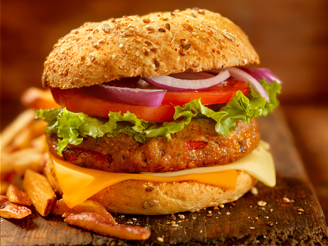 Veggie Burger「Gourmet Veggie Burger with Red Skin Fries」:スマホ壁紙(5)