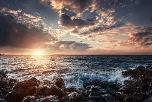 cloud「夕暮れ時の海」:スマホ壁紙(8)