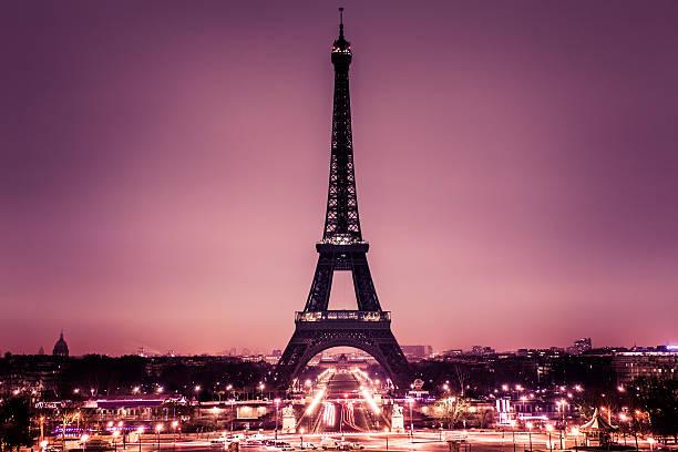 Romantic Paris with Tour Eiffel:スマホ壁紙(壁紙.com)