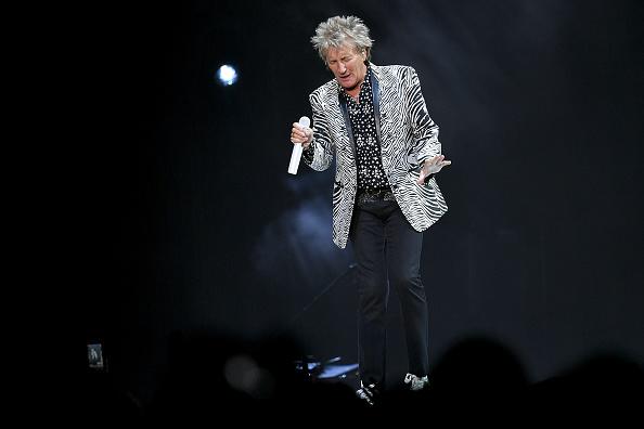Michael Loccisano「Rod Stewart & Cyndi Lauper In Concert - New York City」:写真・画像(8)[壁紙.com]