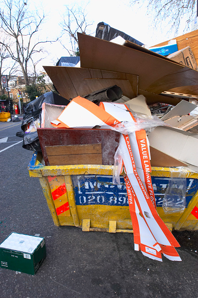 Opportunity「Overloaded skip are potential hazard to residents and road users」:写真・画像(12)[壁紙.com]