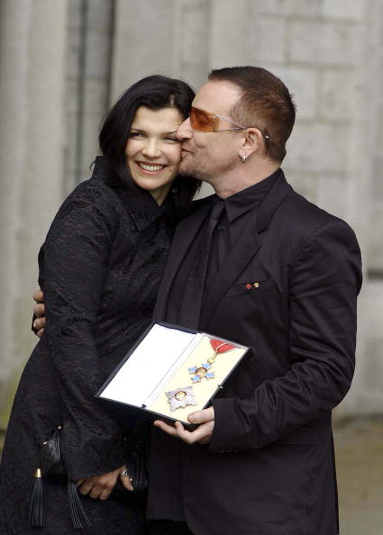 Wife「Bono Receives Knighthood In Dublin」:写真・画像(15)[壁紙.com]