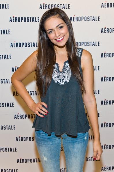 Sleeveless「Aeropostale Welcomes YouTube Celebrity Bethany 'Macbarbie07' Mota At Exclusive Meet & Greet」:写真・画像(7)[壁紙.com]