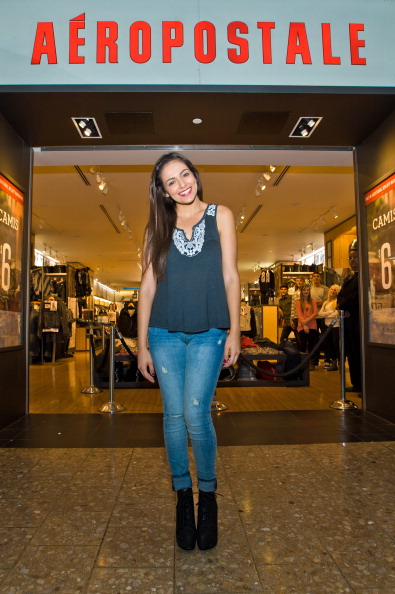 Sleeveless「Aeropostale Welcomes YouTube Celebrity Bethany 'Macbarbie07' Mota At Exclusive Meet & Greet」:写真・画像(9)[壁紙.com]