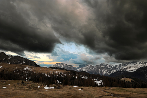 European Alps「Stormy Sky」:スマホ壁紙(9)