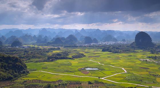 Guilin Hills「Lijiang,Guilin,Guangxi,China」:スマホ壁紙(13)