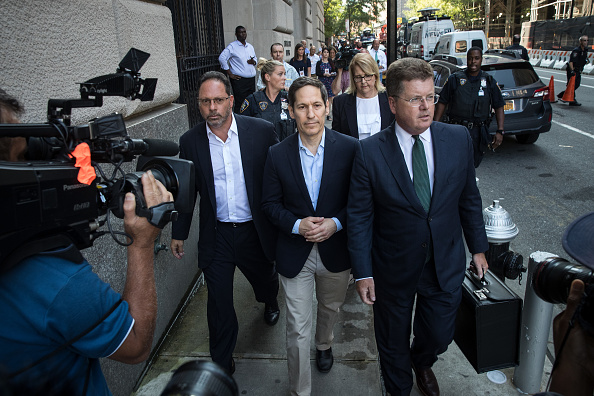 Drew Angerer「Former Centers For Disease Control And Prevention Chief Tom Frieden Arrested In New York On Sex Abuse Charges」:写真・画像(5)[壁紙.com]