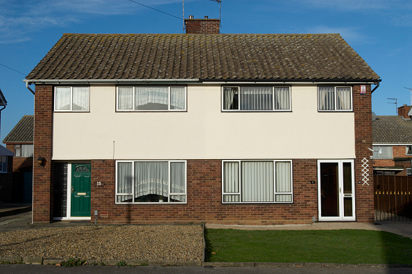 Front View「1960's semi-detached homes, Ipswich, UK」:写真・画像(16)[壁紙.com]