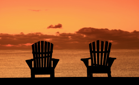 Two Objects「Silhouette of Two Adirondack Chairs on the Beach」:スマホ壁紙(1)