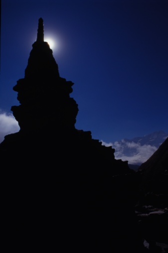 Khumbu「Silhouette of tower construction against moon」:スマホ壁紙(14)
