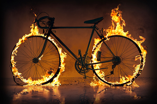 Challenge「Silhouette of bicycle with flaming tires」:スマホ壁紙(10)