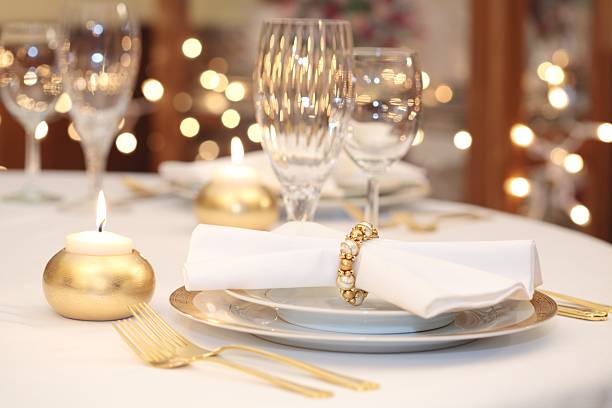 Elegant Place Setting with gold, white and crystal:スマホ壁紙(壁紙.com)