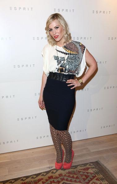 Gold Chain Necklace「Esprit Store - Relaunch Party」:写真・画像(16)[壁紙.com]