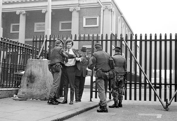 Frisking「British In Belfast」:写真・画像(14)[壁紙.com]