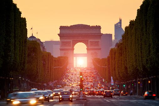 Arc de Triomphe - Paris「Paris, Arc de Triomphe at sunset」:スマホ壁紙(15)