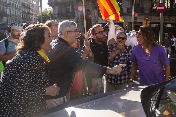 人物「Spanish Police Storm Catalan Government Buildings」:写真・画像(18)[壁紙.com]