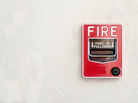 Push Button「Fire Alarm on white wall」:スマホ壁紙(4)