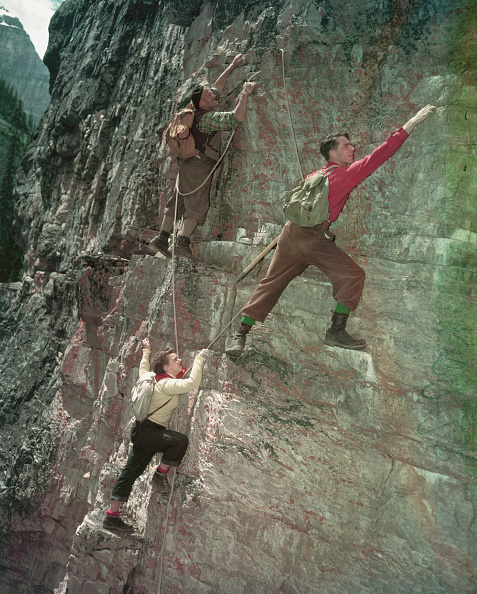 Beret「Mountain Climbing In Lake Louise」:写真・画像(17)[壁紙.com]