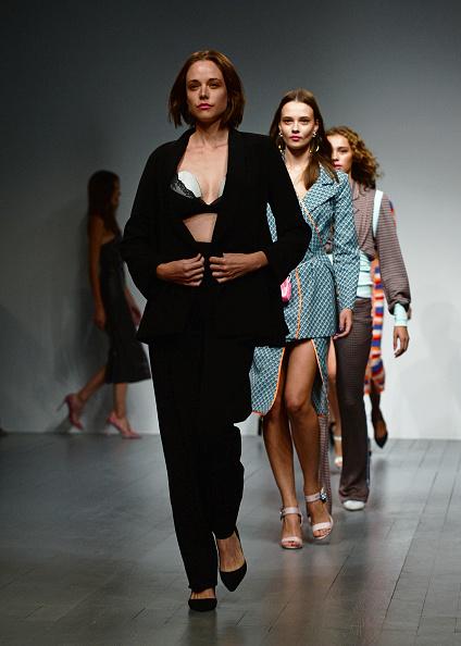 ロンドンファッションウィーク「Marta Jakubowski SS19 Show Featuring Elvie」:写真・画像(8)[壁紙.com]