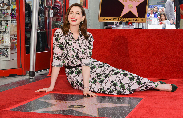 Females「Anne Hathaway Honored With Star On The Hollywood Walk Of Fame」:写真・画像(3)[壁紙.com]