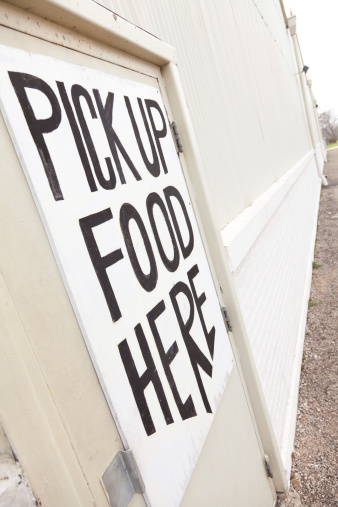 A Helping Hand「Angled view of a food bank door」:スマホ壁紙(10)