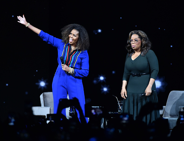 Oprah Winfrey「Oprah's 2020 Vision: Your Life In Focus Tour With Special Guest Michelle Obama」:写真・画像(14)[壁紙.com]
