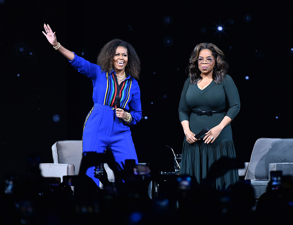 Oprah Winfrey「Oprah's 2020 Vision: Your Life In Focus Tour With Special Guest Michelle Obama」:写真・画像(5)[壁紙.com]