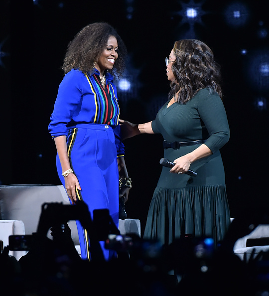 Oprah Winfrey「Oprah's 2020 Vision: Your Life In Focus Tour With Special Guest Michelle Obama」:写真・画像(0)[壁紙.com]