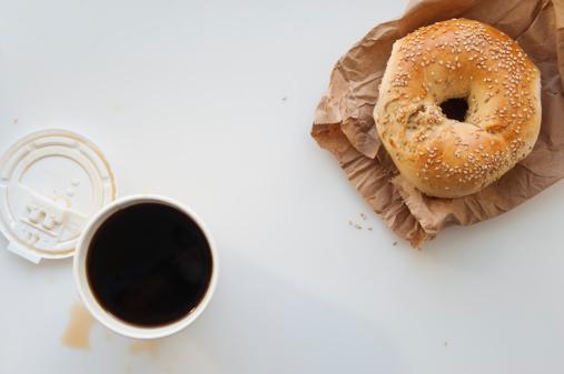 ドーナツ「Donut and cup of coffee」:スマホ壁紙(5)