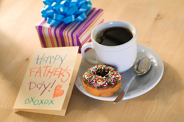Donut and coffee with Father's Day card:スマホ壁紙(壁紙.com)