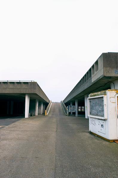 Concrete「Dilapidated car park, Margate, Kent, UK」:写真・画像(10)[壁紙.com]