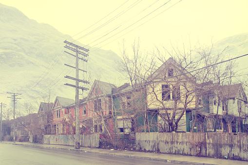 Telephone Pole「Dilapidated city neighborhood, Detroit, Michigan, United States」:スマホ壁紙(8)