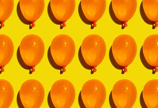 Balloon「Pattern of rows of yellow water balloons」:スマホ壁紙(12)