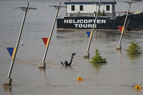 Missouri「Midwest Rivers Crest At Near Record Levels」:写真・画像(14)[壁紙.com]