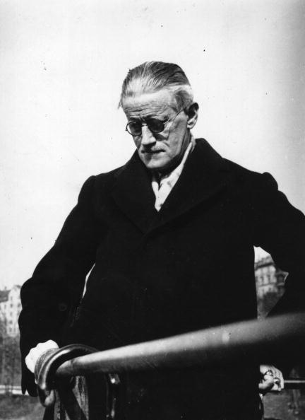 Writing「James Joyce」:写真・画像(4)[壁紙.com]