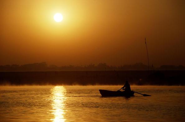Tom Stoddart Archive「River Ganges」:写真・画像(2)[壁紙.com]