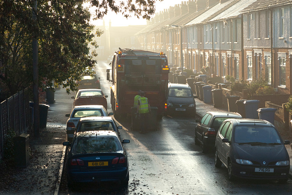 Dawn「Early morning refuse collection from a residential street in Ipswich, Suffolk, UK」:写真・画像(19)[壁紙.com]