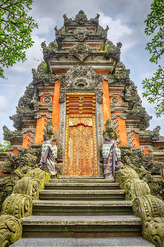 Hinduism「Portal of Saraswati Temple, Ubud, Bali」:スマホ壁紙(4)