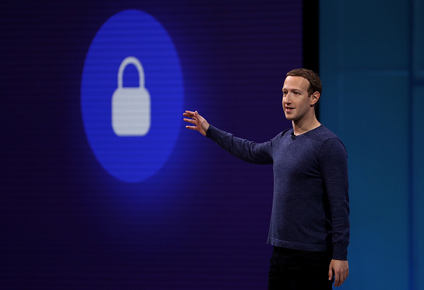 Mark Zuckerberg「Mark Zuckerberg Addresses F8 Facebook Developer Conference」:写真・画像(10)[壁紙.com]