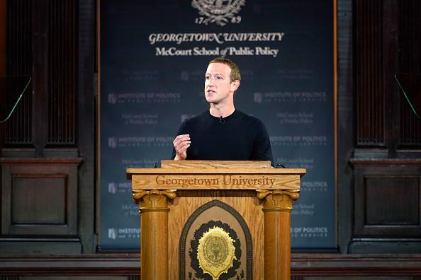 Mark Zuckerberg「Mark Zuckerberg Talks Free Expression At Georgetown University」:写真・画像(14)[壁紙.com]