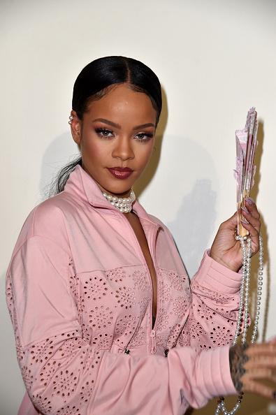 Portrait「FENTY x PUMA by Rihanna : Backstage - Paris Fashion Week Spring/Summer 2017」:写真・画像(2)[壁紙.com]