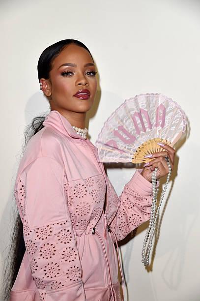 FENTY x PUMA by Rihanna : Backstage - Paris Fashion Week Spring/Summer 2017:ニュース(壁紙.com)
