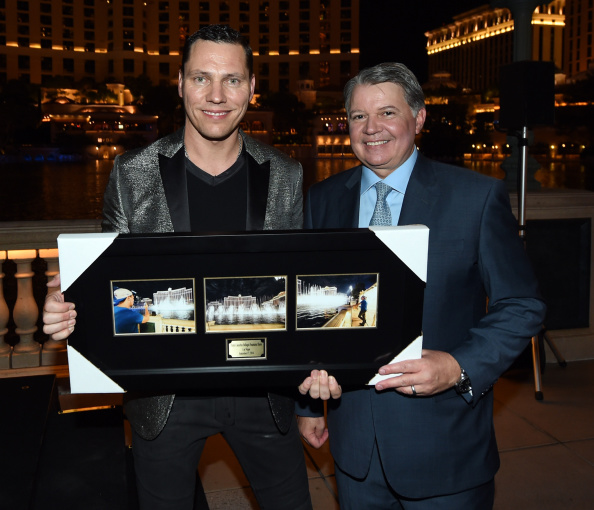 Finance and Economy「Fountains Of Bellagio Programmed By Tiesto」:写真・画像(19)[壁紙.com]