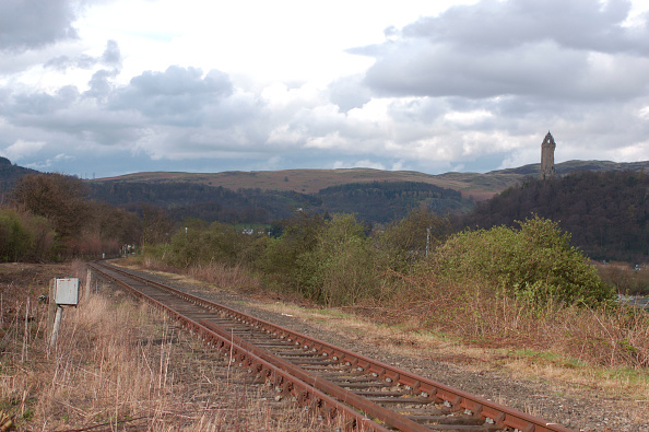 Rusty「The Stirling to Alloa disused branch line in Scotland. View from bridge end looking to Alloa. April 2005.」:写真・画像(18)[壁紙.com]