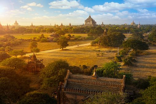 寺「バガン、ミャンマー」:スマホ壁紙(5)