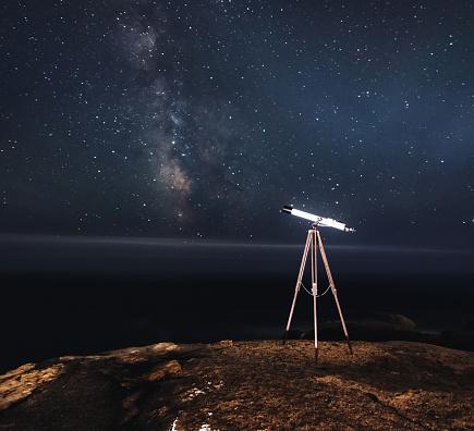 Solar System「Observing Milky Way with Telescope」:スマホ壁紙(19)