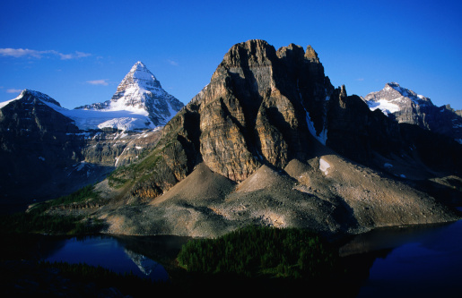 Mt Assiniboine Provincial Park「Mt Assiniboine and Starburst Lake.」:スマホ壁紙(14)