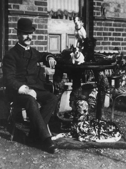 1870-1879「Victorian Dog Lover」:写真・画像(2)[壁紙.com]