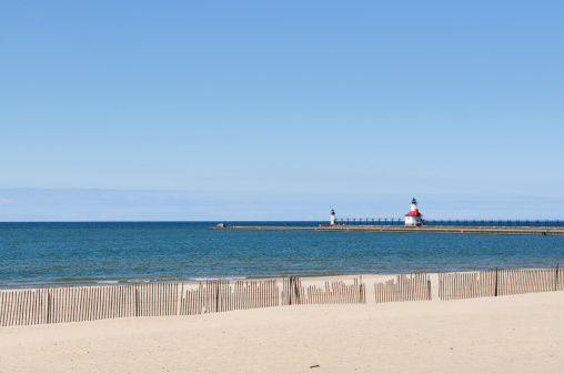 Great Lakes「Silver Beach Lighthouse on Lake Michigan in St. Joseph」:スマホ壁紙(13)