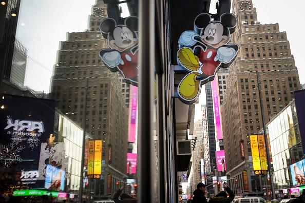 Mickey Mouse「Disney To Buy 21st Century Fox's Entertainment Business」:写真・画像(2)[壁紙.com]